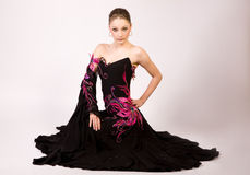 Dançarino profissional no vestido bonito Fotos de Stock