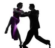 Dançarinos do salão de baile da mulher do homem dos pares que tangoing a silhueta Fotos de Stock