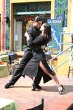 Dançarinos do tango no La Boca Buenos Aires Argentina Fotografia de Stock