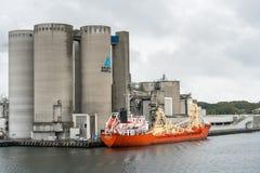Danavik-Zement-Fördermaschinenschiff in Aalborg, Dänemark Stockbild