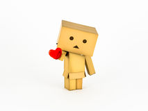 Danbo που κρατά μια καρδιά Στοκ Φωτογραφίες