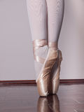 Dancer in ballet pointe shoes Royalty Free Stock Photography