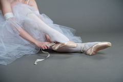 Dancer wears pointes Royalty Free Stock Image