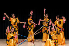 Dancers - Tinikling - Filipino Tradition Royalty Free Stock Images
