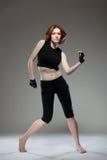 Dancing attraente della giovane donna Fotografia Stock Libera da Diritti