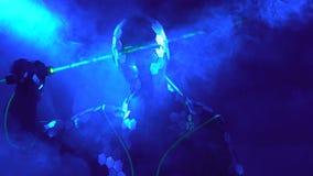 Dancing dell'uomo con il laser 4k Fotografia Stock Libera da Diritti