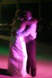 Dancing dello sposo e della sposa Fotografie Stock
