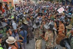 Dancing denso della folla alla celebrazione di Inti Raymi Fotografie Stock Libere da Diritti