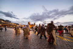Dancing e festival tradizionali in Plaza de Armas, Cusco, Perù Immagini Stock Libere da Diritti