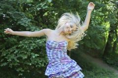 dancingowa dziewczyna Zdjęcia Stock