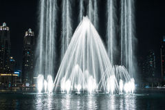 Dancingowa fontanna w Dubaj Fotografia Royalty Free