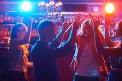 Dancingowi przyjaciele obrazy stock