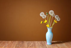 Dandelion in a ceramic vase Royalty Free Stock Images