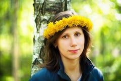 dandelion dziewczyny s wianek Obraz Royalty Free