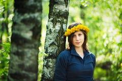 dandelion dziewczyny s wianek Obraz Stock