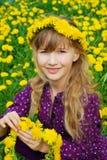 dandelions dziewczyny potomstwa Fotografia Stock
