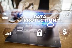 Dane ochrona, Cyber ochrona, ewidencyjny bezpieczeństwo i utajnianie, internet technologia i biznesu pojęcie zdjęcia stock