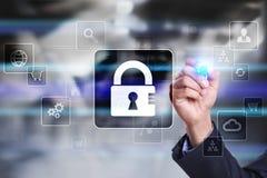 Dane ochrona, Cyber ochrona, ewidencyjny bezpieczeństwo i utajnianie, internet technologia i biznesu pojęcie zdjęcie stock