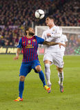 Dani Alves und Cristiano Ronaldo lizenzfreie stockfotos