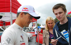 Dani Sordo geeft autographs in Moskou Royalty-vrije Stock Foto's