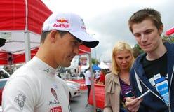 Dani Sordo ger autografer i Moskva Royaltyfria Foton
