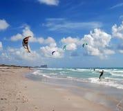 Dania Beach Kite Surfers fotografie stock libere da diritti