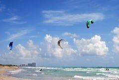 Dania Beach Kite Surfers fotografia stock libera da diritti