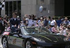 Danica Патрик приветствует людей на параде фестиваля Indy 500 Стоковое Изображение