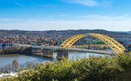 Daniel Carter Beard Bridge i Cincinnati Ohio royaltyfri foto