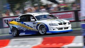 Daniel que deriva seu carro na tração 2010 da fórmula Fotos de Stock