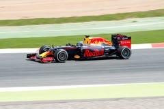 Daniel Ricciardo conduce el coche de competición de Red Bull en la pista para el Fórmula 1 español Grand Prix en Circuit de Catal Imagen de archivo