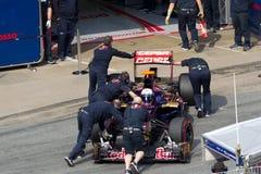 Daniel Ricciardo ensambla el rectángulo - pruebe los días Montmelo Fotos de archivo libres de regalías