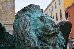 Daniele Manin bronsstaty, lejon, i Venedig, Europa Fotografering för Bildbyråer