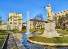 Daniele Manin-monument in de Cavour-Tuinen Turijn, Piemonte, Italië stock foto's