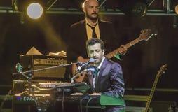 Daniele-silvestri Spielklavier Live auf Stadium Stockfotos