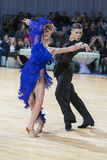 Danila Shmidt und Buldyk Arina Performs Youth Latin-American Program auf offenem Tanz Festival-2017 WDSF Minsk Stockbild