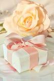 Dank u gift bij huwelijksontvangst royalty-vrije stock afbeeldingen