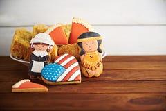 Dankzeggingssnoepjes op een houten achtergrond Stock Foto's