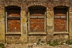 Danno in città di industria, costruzione di mattone rovinata Immagine Stock