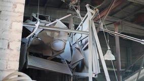 Danno di esplosione ad una fabbrica 3 stock footage