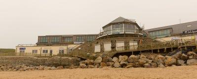 Danno di Newquay della spiaggia di Fistral causato dalle tempeste Fotografie Stock Libere da Diritti