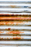 Danno e vecchio strato arrugginito dello zinco Fotografia Stock