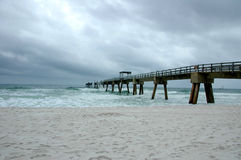 Dano do cais da pesca do furacão Fotografia de Stock Royalty Free