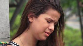 Dano e adolescente fêmea choroso fotos de stock royalty free
