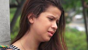 Dano e adolescente fêmea choroso foto de stock royalty free