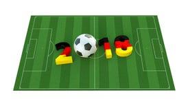 2018 dans des couleurs allemandes de drapeau sur un terrain de football Un ballon de football représentant le 0 en 2018 Photo stock