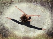 Dans för modern balett för ung kvinna Royaltyfri Fotografi