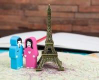 Dans l'amour à Paris Photos libres de droits