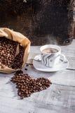 Dans l'amour avec du café Photographie stock libre de droits