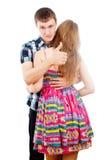 Dans l'amour avec un type étreint une fille Images stock